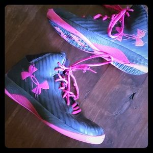 Womens Under Armor Basketball Shoes Sz9
